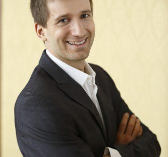 Yaniv Segal