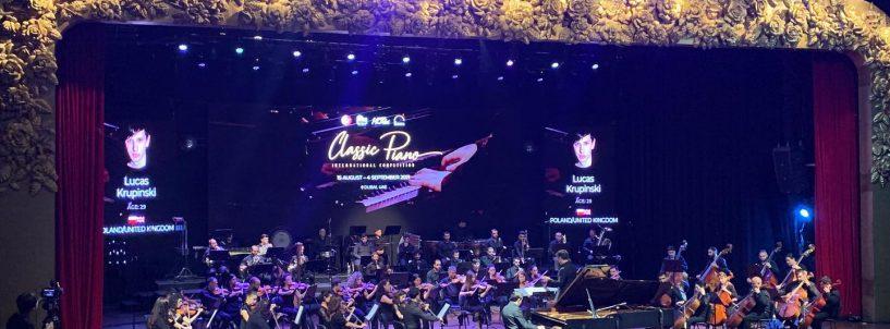 (Polski) Między Wielkimi Konkursami od Piano Classic do Leeds – Łukasz Krupiński półfinalistą Konkursu w Dubaju.