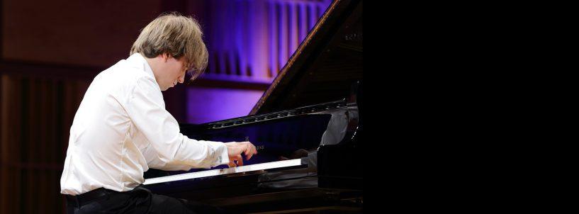 (Polski) Andrzej Wierciński i Jakub Kuszlik w gronie 23 pianistów zakwalifikowanych do półfinału Konkursu Chopinowskiego