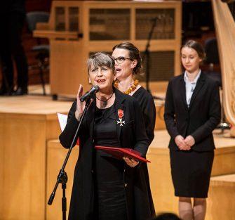 Joanna Wnuk-Nazarowa odznaczona Krzyżem Oficerskim Orderu Odrodzenia Polski